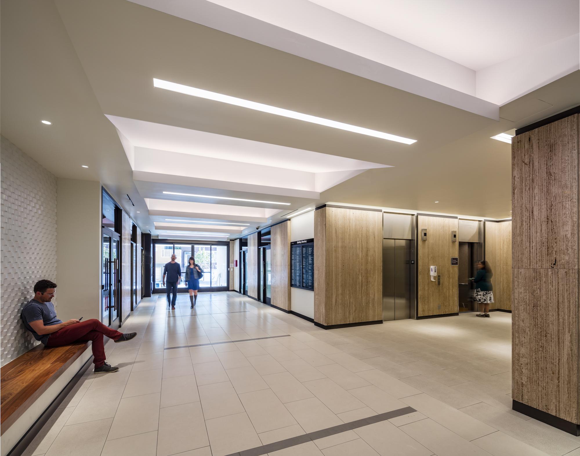 Hallway lobby lighting Summit Medical building renovation ©brick-inc