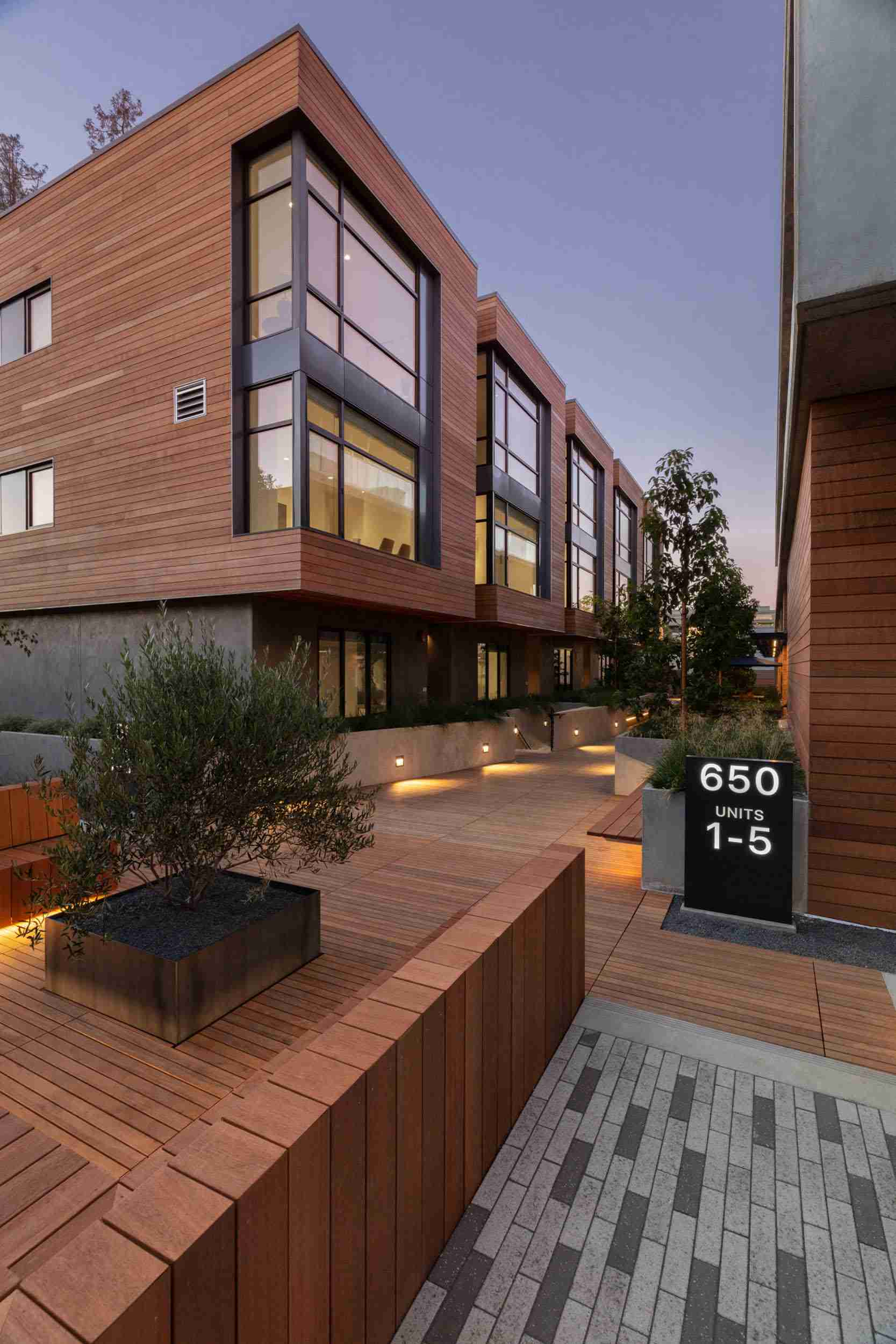 View of garden and green-space public benefit 650 Live Oak Menlo Park mixed-use office residential architecture project ©brick-inc